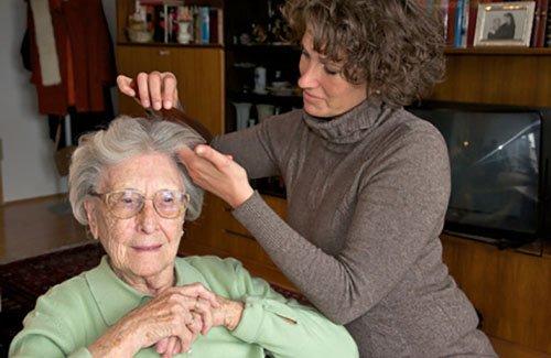 Pflegehilfe bzw. Hilfe zur Pflege als Sozialleistung