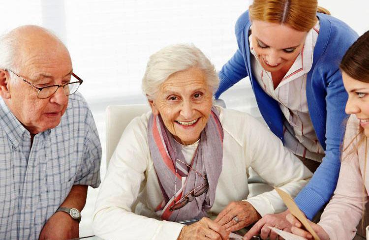 Mit dem Pflegenavigator ins richtige Pflegeheim