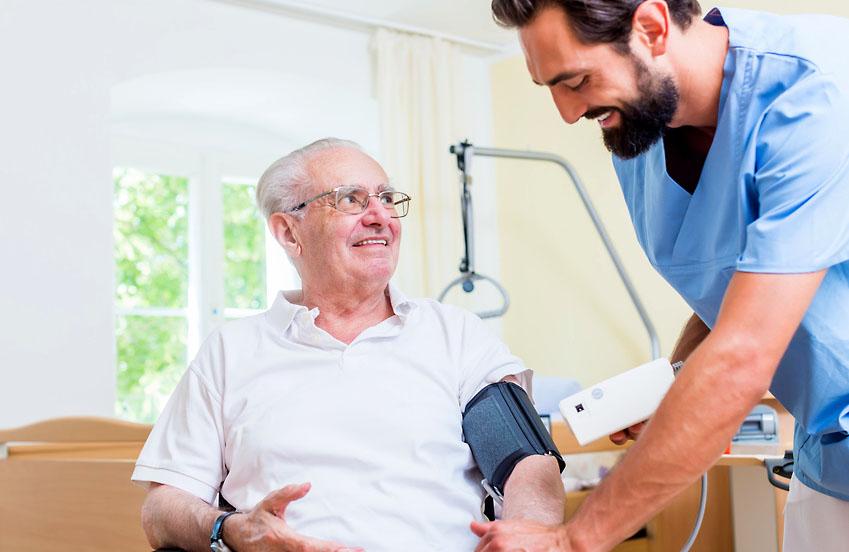 Altenpfleger – Beruf oder Berufung?
